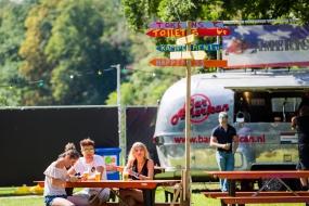 Airstream met hamburgers voor evenementen.